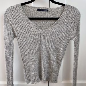 Brandy Melville fitted grey sweater